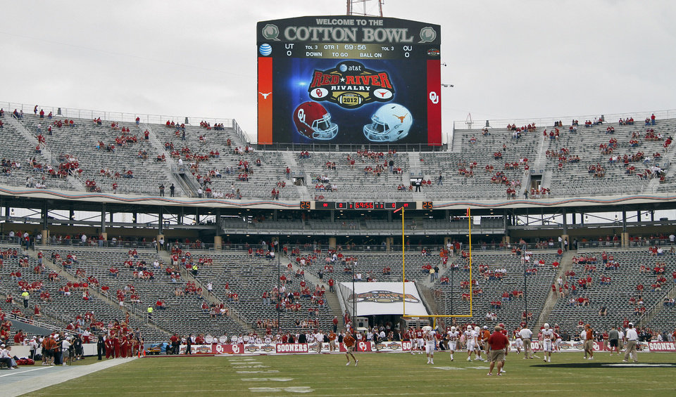 The Red River Rivalry college football game between the University of Oklahoma (OU) and the University of Texas (UT) at the Cotton Bowl in Dallas, Saturday, Oct. 13, 2012. Photo by Chris Landsberger, The Oklahoman