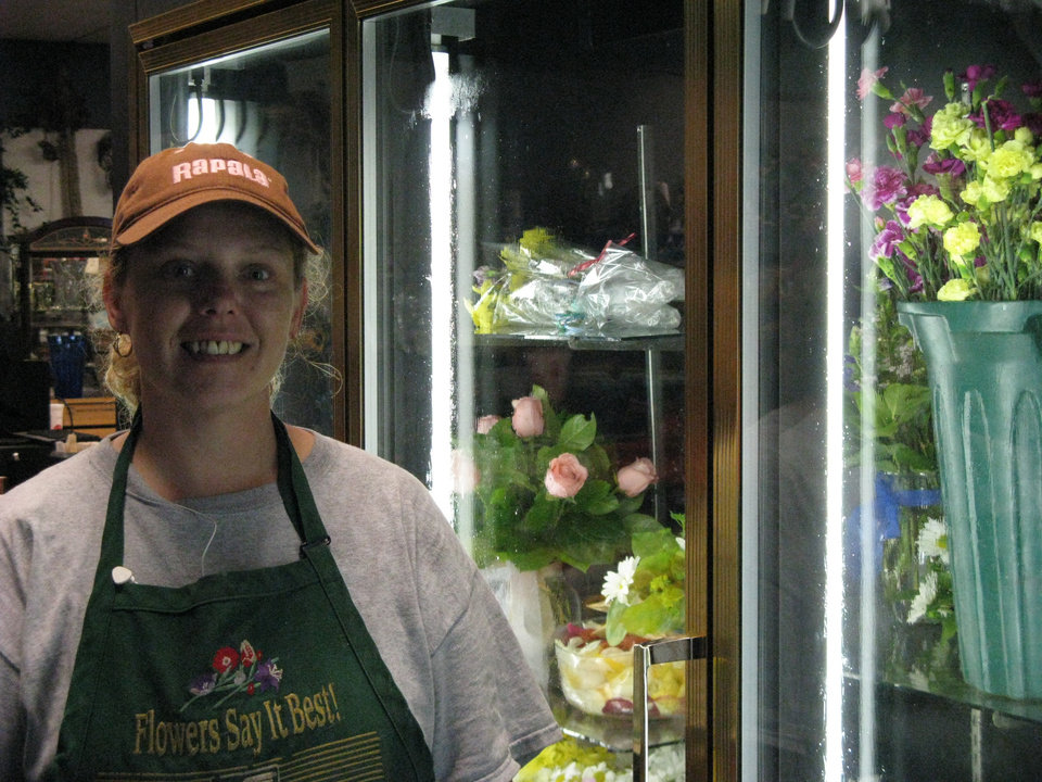 Photo - Delilia Cowles, a florist at Woods Floral, downtown Oklahoma City  ORG XMIT: 0808192034455792