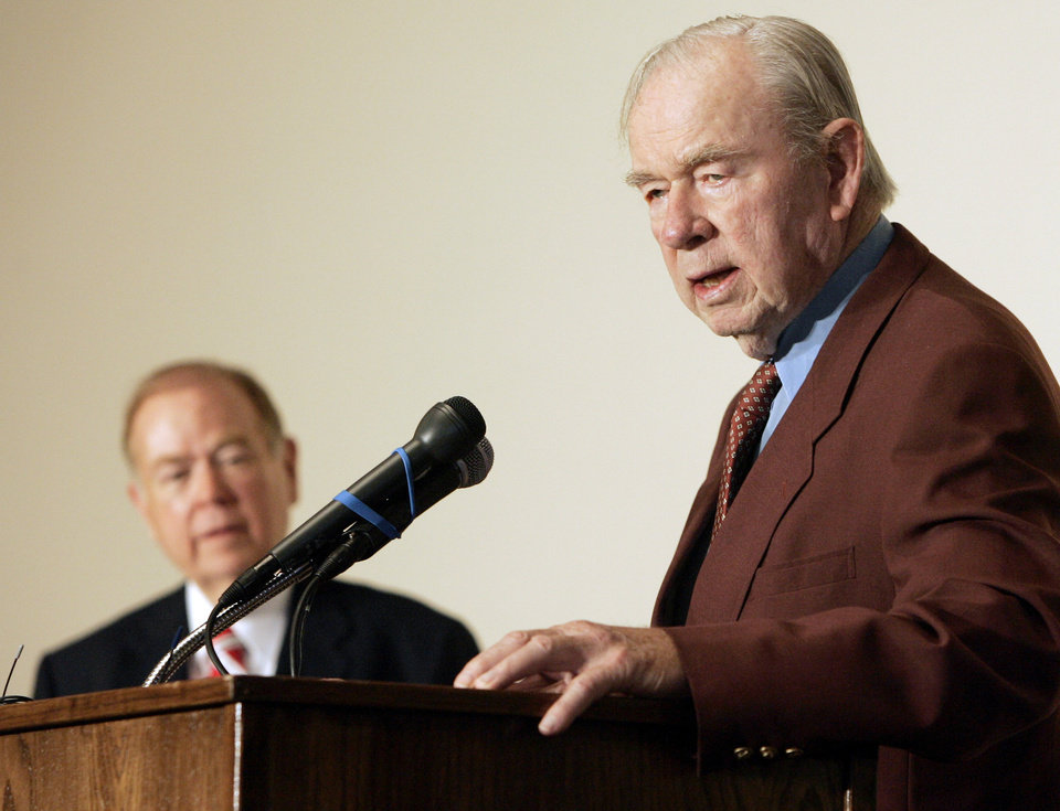 Former Oklahoma Gov. Henry Bellmon, right, addresses a luncheon group at the Oklahoma Governor\'s Conference on Biofuels, in Norman, Okla., Tuesday, Oct. 3, 2006. Looking on at left is David Boren, president of the University of Oklahoma. (AP Photo)