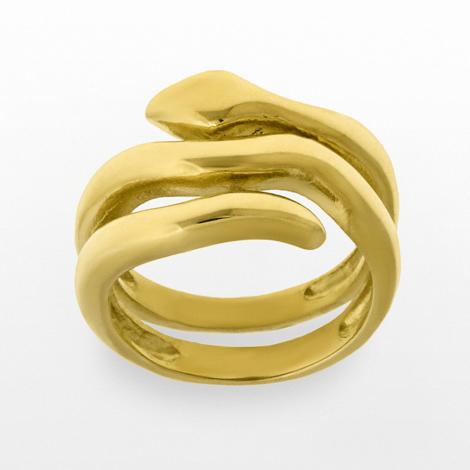 Gold-tone serpentine style ring from Kohl's. Photo provided. <strong></strong>