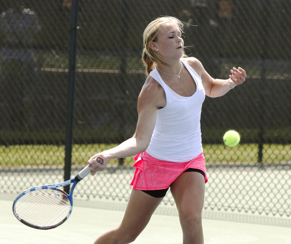 Photo - Cascia Hall's Peyton Jennings plays against Heritage Hall's Sarah Bowen in the 5A finals of the Girl's State Tournament at the Oklahoma Tennis Center in Oklahoma City, OK, Saturday, May 5, 2012,  By Paul Hellstern, The Oklahoman