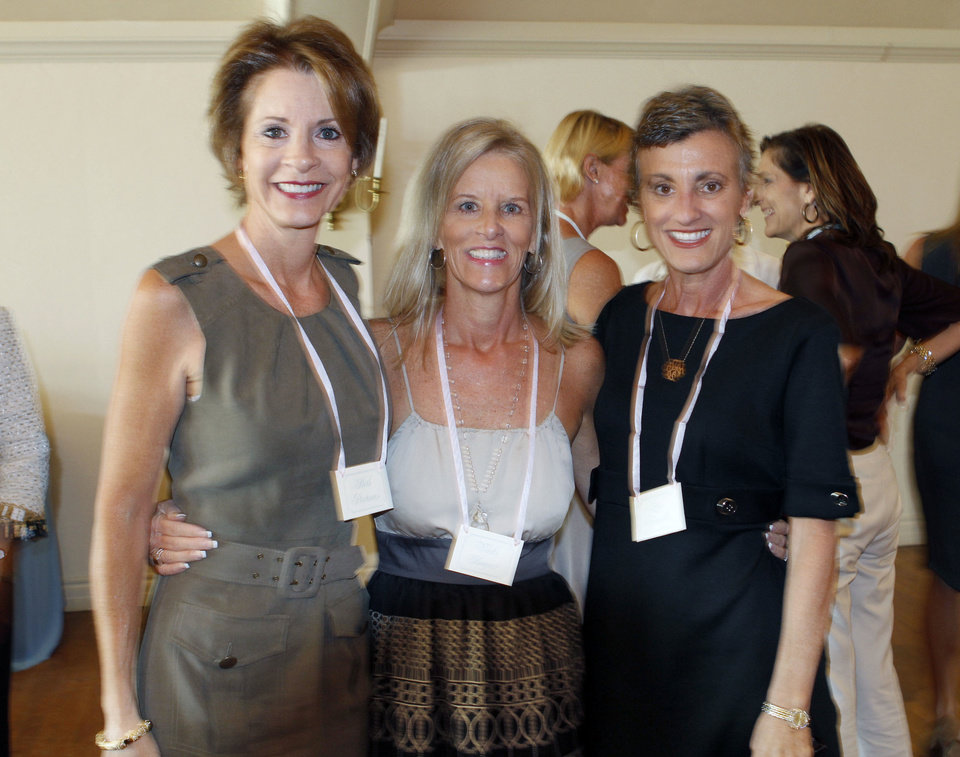 Photo - Beth Portman (left), Vicki Bogert, and Lisa Franklin attend the Beaux Arts Ball fall coffee at the Oklahoma City Golf & Country Club in Nichols Hills, OK, Tuesday, Oct. 4, 2011. By Paul Hellstern, The Oklahoman ORG XMIT: KOD  PAUL HELLSTERN
