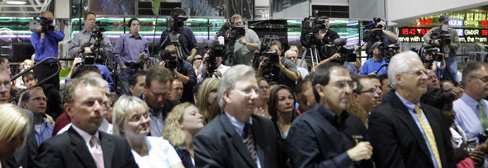 Photo - The riser is full of video cameras during the unveiling of the Oklahoma City Thunder NBA team name at Leadership Square in downtown Oklahoma City, Wednesday, September 3, 2008. NATE BILLINGS, THE OKLAHOMAN
