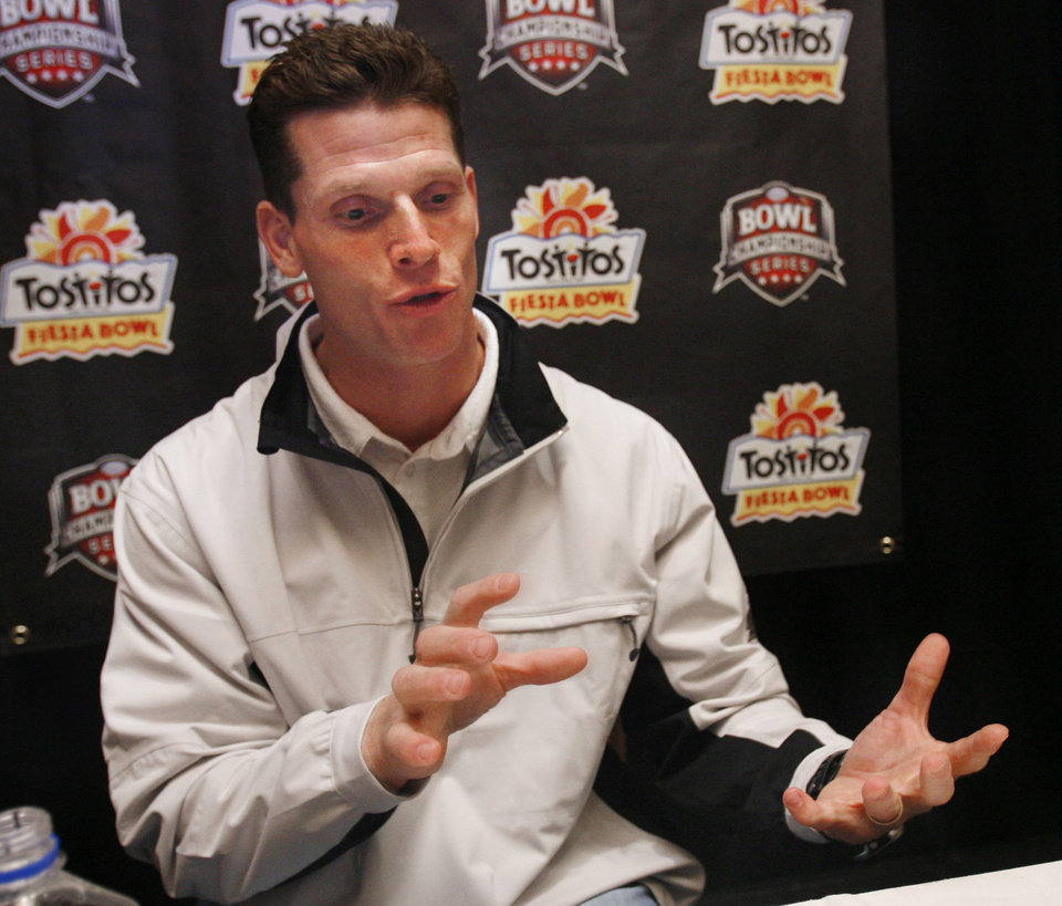 University of Oklahoma defensive coordinator Brent Venables speaks to the media as the Tostitos Fiesta Bowl holds a press conference featuring University of Oklahoma (OU) and Boise State college football players in Phoenix, Arizona on Friday, December 29, 2006.  by Steve Sisney/The Oklahoman