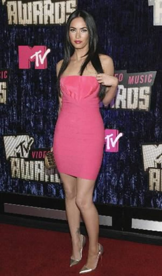 Photo -  Megan Fox arrives at the MTV Video Music Awards at the Palms Hotel and Casino on Sunday, Sept. 9, 2007, in Las Vegas.