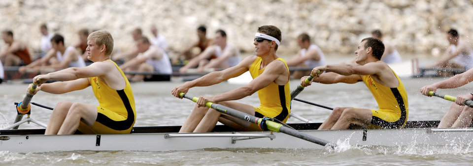 Photo - AMERICAN COLLEGIATE ROWING ASSOCIATION CHAMPIONSHIP: The University of Colorado men's 8 compete in a qualifying heat during the ACRA National Championship Regatta on the Oklahoma River in Oklahoma City , Saturday, May 24, 2008. BY MATT STRASEN, THE OKLAHOMAN ORG XMIT: KOD