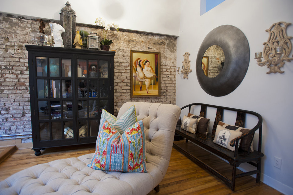 Furniture and art (note the wall painting) which can be seen as one walks into Christian Siriano's New York City apartment, September 11, 2012. (Karl Merton Ferron/Baltimore Sun/MCT)