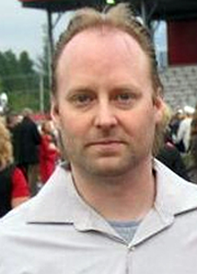 Photo -   This undated photo provided by the King County Sheriff's Office shows Peter Keller. After a nearly 23-hour standoff, police blew up the top of an elaborate bunker in the Cascade Mountains on Saturday, April 28, 2012, and found the body of a man inside — believed to be that of Keller, a survivalist wanted in the deaths of his wife and daughter last weekend. The suspect appeared to have shot himself, King County sheriff's Sgt. Katie Larson said. Officials were awaiting positive identification of the body. (AP Photo/King County Sheriff's Office)