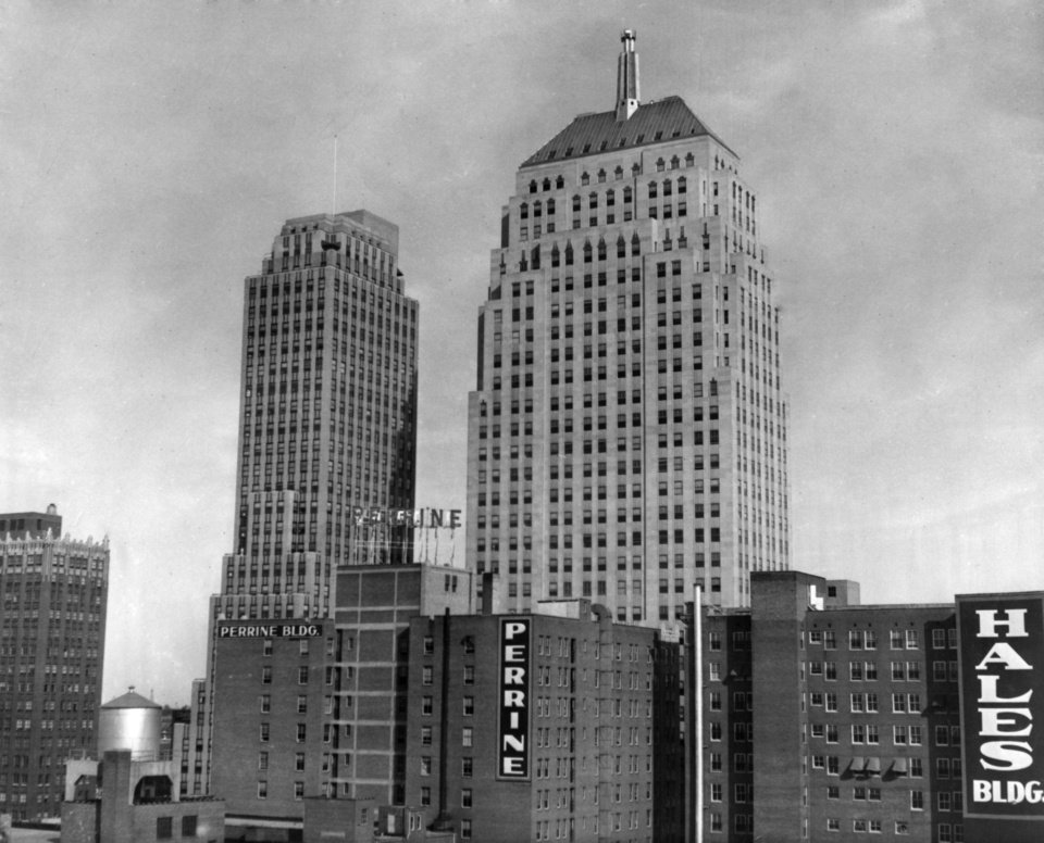 OKLAHOMA CITY / SKY LINE / OKLAHOMA:  No caption.  Staff photo by Alphia O. Hart.  Photo dated 11/09/1938 and unpublished.  Photo arrived in library on 11/23/1938.
