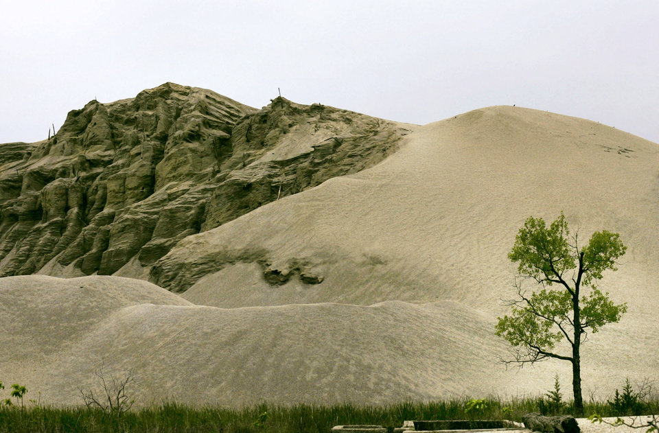 A chat pile is seen in this 2007 photo of Picher.  ARCHIVE PHOTO By John Clanton, The Oklahoman