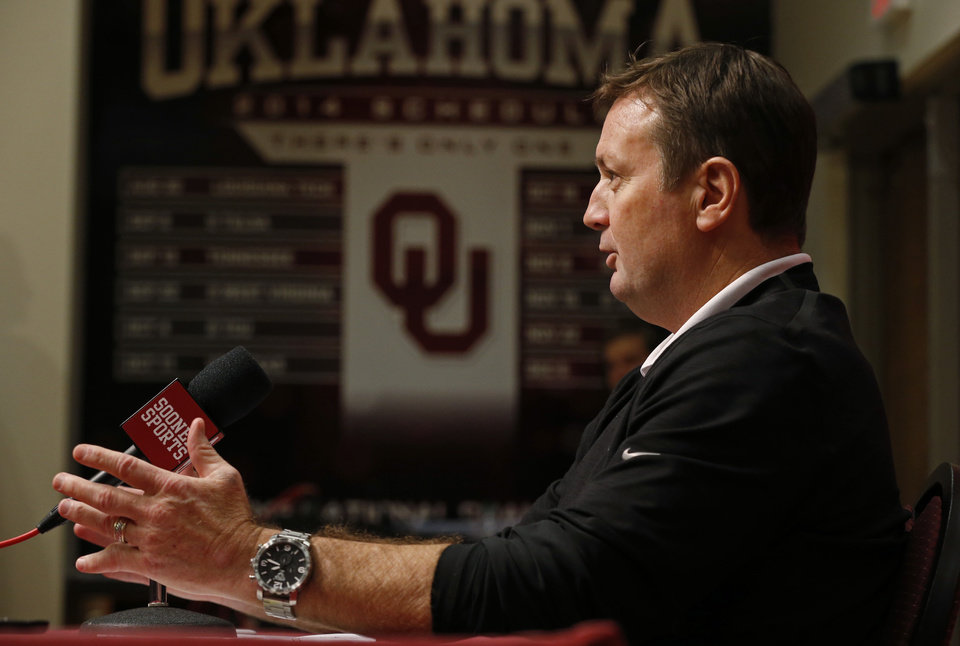 Photo - University of Oklahoma Sooners (OU) head football coach Bob Stoops holds a press conference on Wednesday, Feb. 4, 2015  in Norman, Okla. Photo by Steve Sisney, The Oklahoman