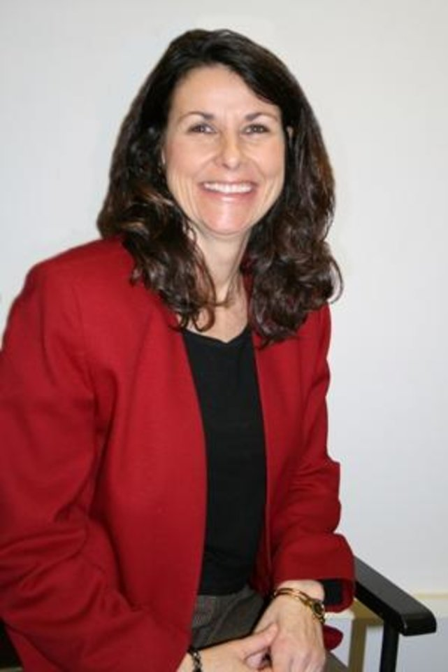 Photo - Cathy Stackpole, CEO for Girl Scouts-Western Oklahoma    ORG XMIT: 0804251909087228