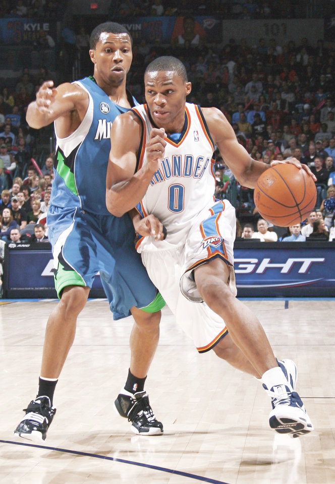 Photo - Oklahoma City's Russell Westbrook, right, scored 12 points against the Grizzlies. PHOTO BY NATE BILLINGS, THE OKLAHOMAN