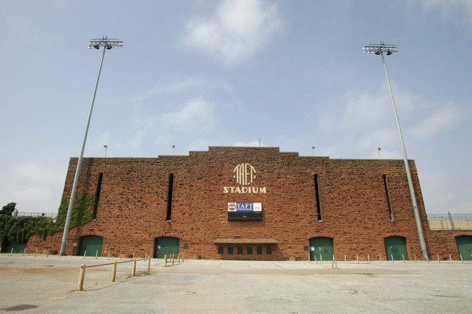 Photo - Taft Stadium in Oklahoma City, Oklahoma September 3, 2009. Photo from The Oklahoman Archives ORG XMIT: KOD