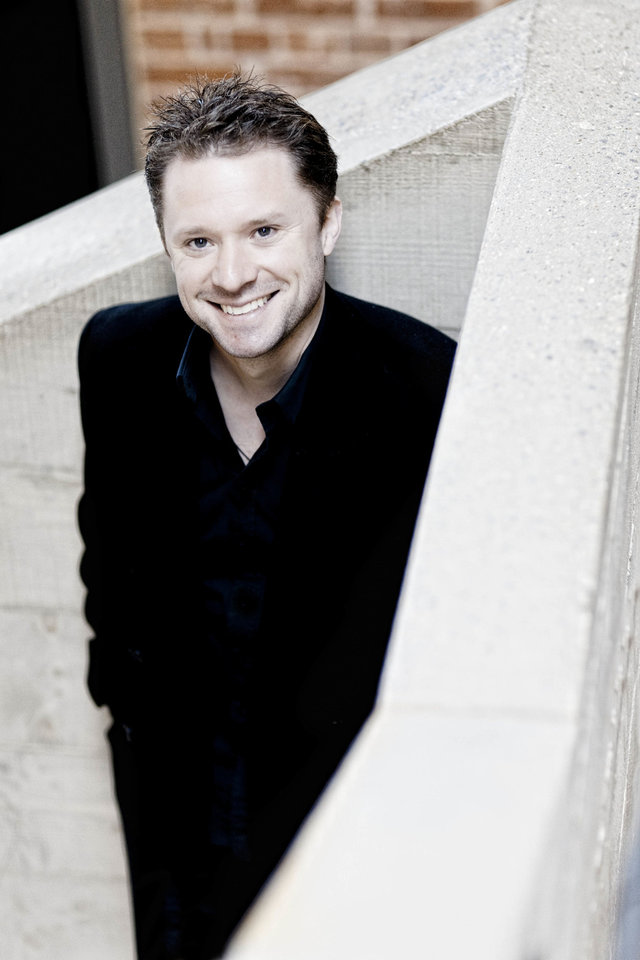 Photo - Colin Currie Photo: Marco Borggreve