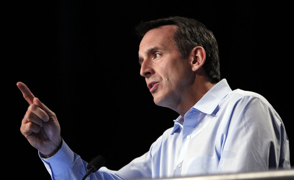 Photo -   Republican presidential candidate and former Minnesota Governor Tim Pawlenty speaks at the Republican Party's Straw Poll in Ames, Iowa, Saturday, Aug. 13, 2011. (AP Photo/Charles Dharapak)