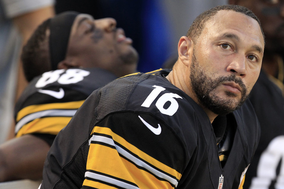 Photo -   Pittsburgh Steelers quarterback Charlie Batch (16) sits on the bench with wide receiver Emmanuel Sanders (88) during an NFL preseason football game against the Carolina Panthers in Pittsburgh, Thursday, Aug. 30, 2012. (AP Photo/Gene J. Puskar)