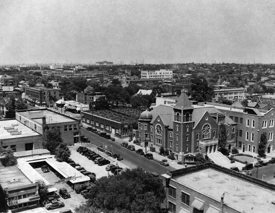 OKLAHOMA CITY / SKY LINE / OKLAHOMA / BUILDING / FEDERAL:  No caption.  Staff photo by C. J. Kaho.  Photo dated 07/22/1936 and unpublished.  Photo arrived in library on 07/27/1936.
