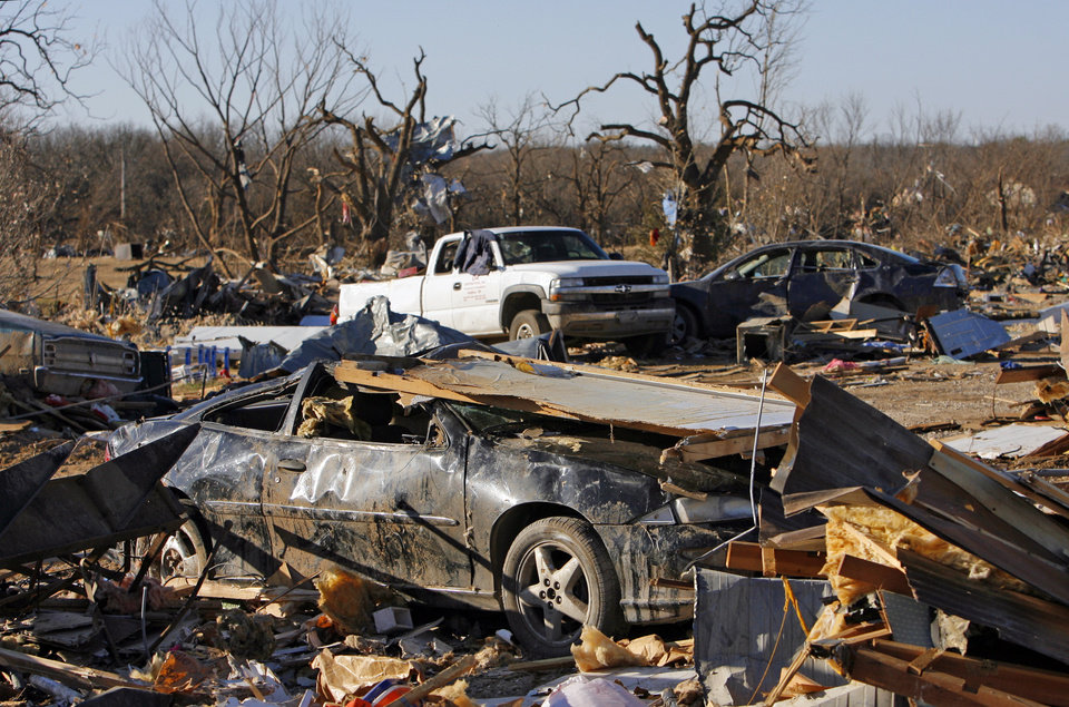 Photo - A view of damage at the Bar K Mobile Home Park in Lone Grove, Okla., Wednesday, February 11, 2009. On Tuesday, February 10, 2009, a tornado moved through Lone Grove killing at least eight people. BY NATE BILLINGS, THE OKLAHOMAN