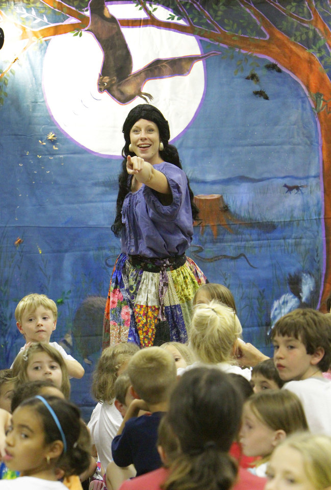"""Photo - Amy Nevius with Rhythmically Speaking sings a number from """"See a Play, Dream a Dream."""""""