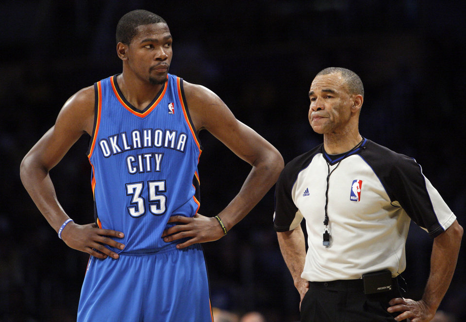 Oklahoma City\'s Kevin Durant (35) reacts during Game 4 in the second round of the NBA basketball playoffs between the L.A. Lakers and the Oklahoma City Thunder at the Staples Center in Los Angeles, Saturday, May 19, 2012. Photo by Nate Billings, The Oklahoman