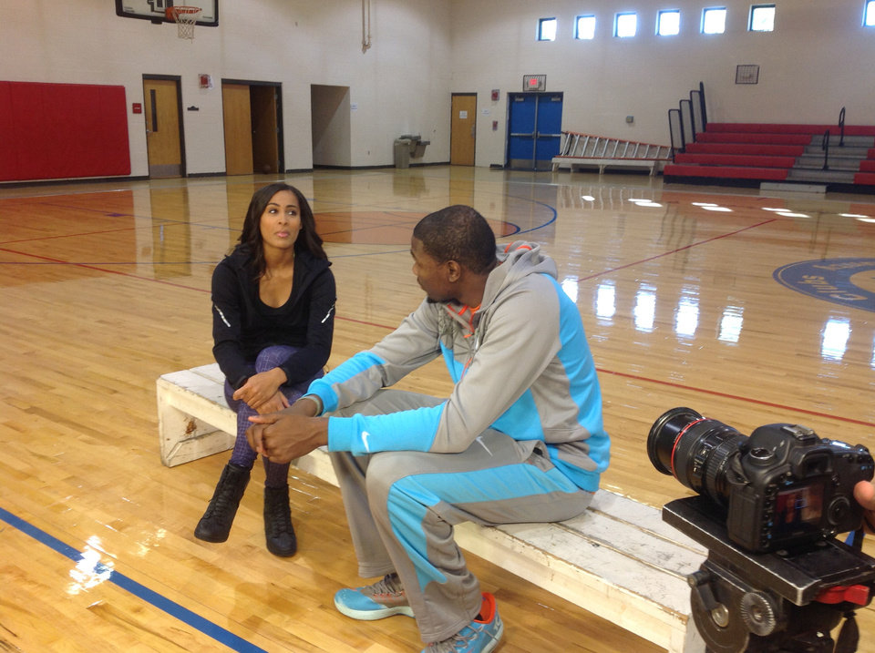 Tulsa Shock guard Skylar Diggins interviewed Thunder star Kevin Durant for the 5 p.m. Wednesday edition of ESPN\'s