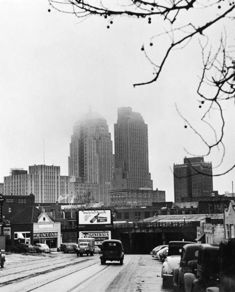 OKLAHOMA CITY / SKY LINE / OKLAHOMA / STREET SCENE / 1949:  No caption.  Staff photo by Ronald Pyer.  Photo dated 01/14/1949 and unpublished.  Photo arrived in library 01/26/1949.