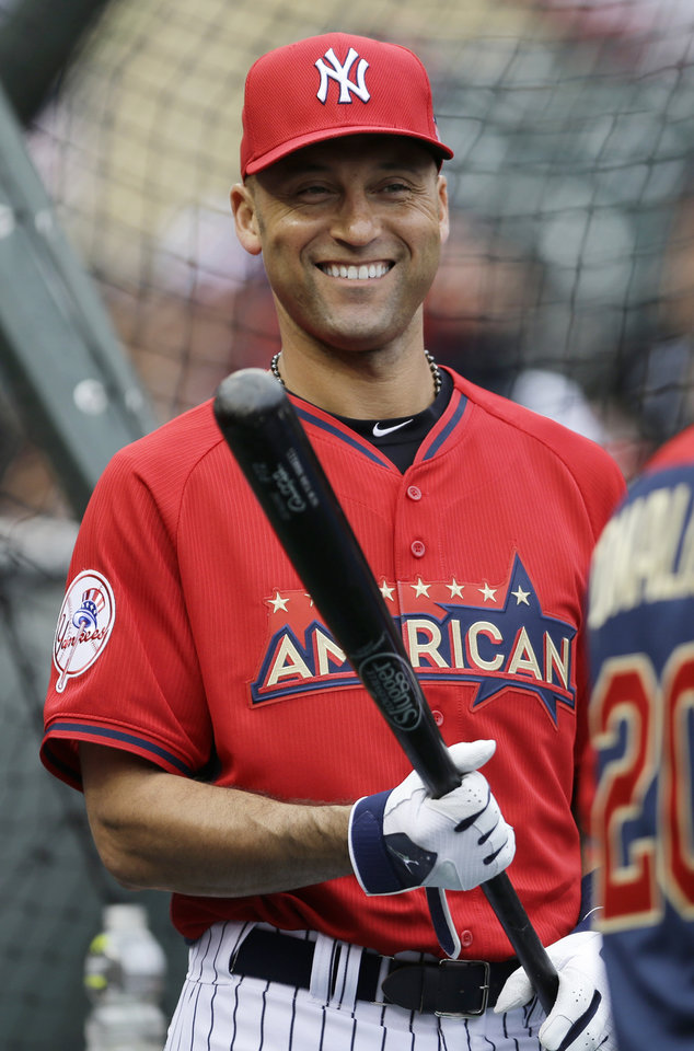 Photo - American League short stop Derek Jeter, of the New York Yankees, waits to hit during batting practice for the MLB All-Star baseball game, Monday, July 14, 2014, in Minneapolis. (AP Photo/Jeff Roberson)