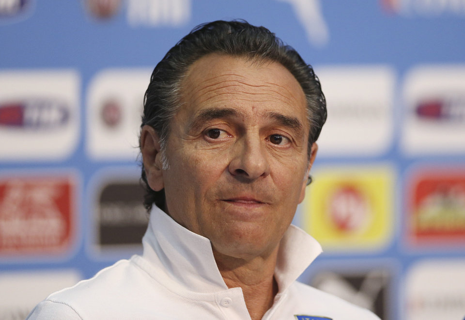 Photo - Italy's head coach Cesare Prandelli listens a question during a press conference at the