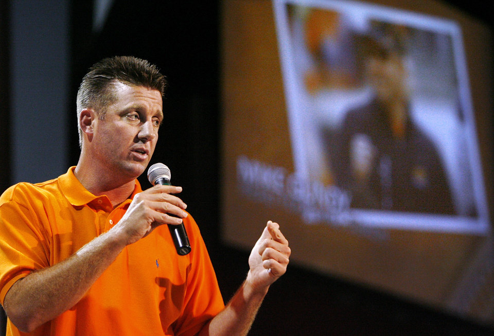 Photo - Oklahoma State University boosters showed their support for OSU athletics and head football coach Mike Gundy when the OSU Athletics Caravan made a stop at the Coca Cola Bricktown Events Center Tuesday night, July 29, 2008.  BY JIM BECKEL, THE OKLAHOMAN ORG XMIT: KOD