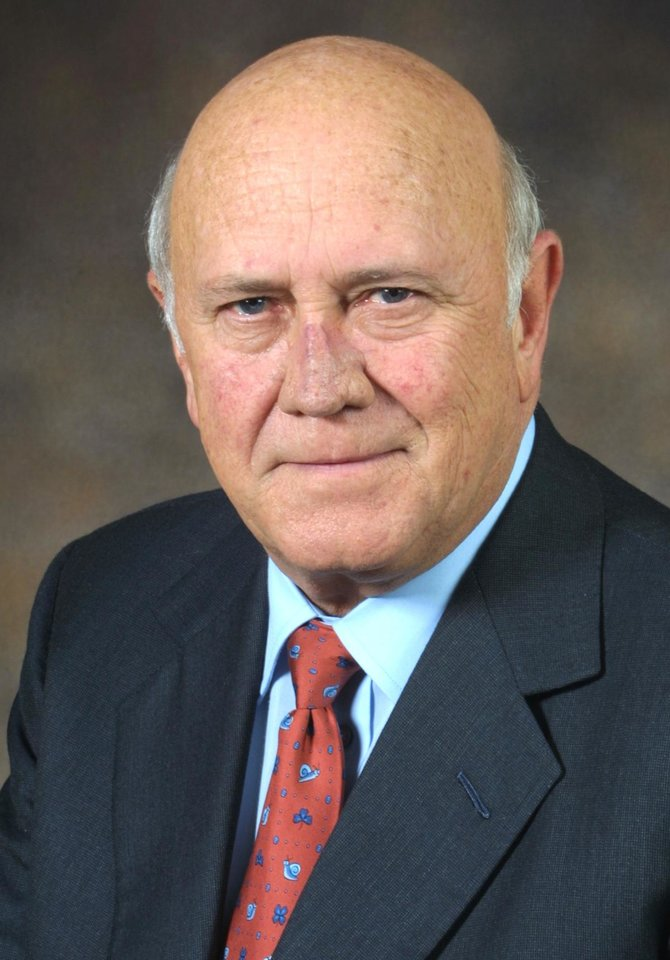 Photo - F.W. de Klerk, 1993 Nobel Peace Prize winner who oversaw the end of apartheid as president of South Africa     ORG XMIT: 0809252227047309