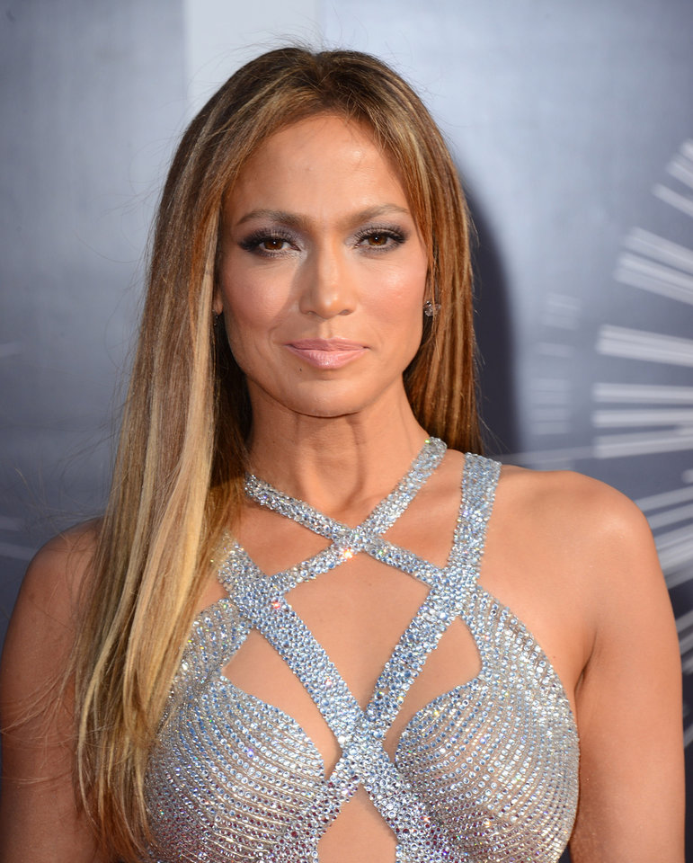 Photo - Jennifer Lopez arrives at the MTV Video Music Awards at The Forum on Sunday, Aug. 24, 2014, in Inglewood, Calif. (Photo by Jordan Strauss/Invision/AP)