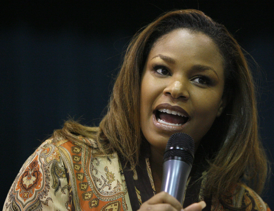 Lakita Garth-Wright delivers a speech during an abstinence conference at the Greater Mount Olive Baptist Church on Friday, Aug. 17, 2007, in Oklahoma City. By James Plumlee, The Oklahoman.