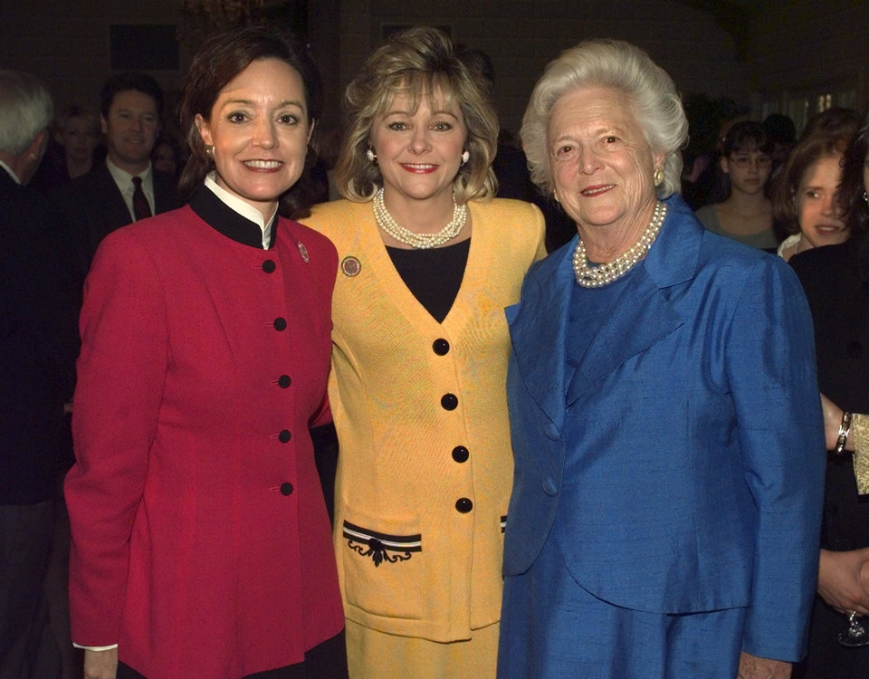 Photo - Oklahoma first lady Cathy Keating, lt. governor Mary Fallin, and Barbara Bush at 1999 Reach for the Stars banquet.