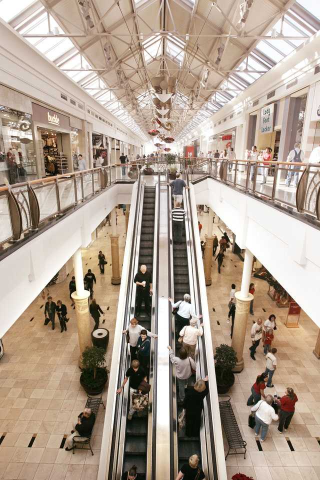 Photo - A file photo shows shoppers at Penn Square Mall. Oklahoman Archives Photo  Jaconna Aguirre