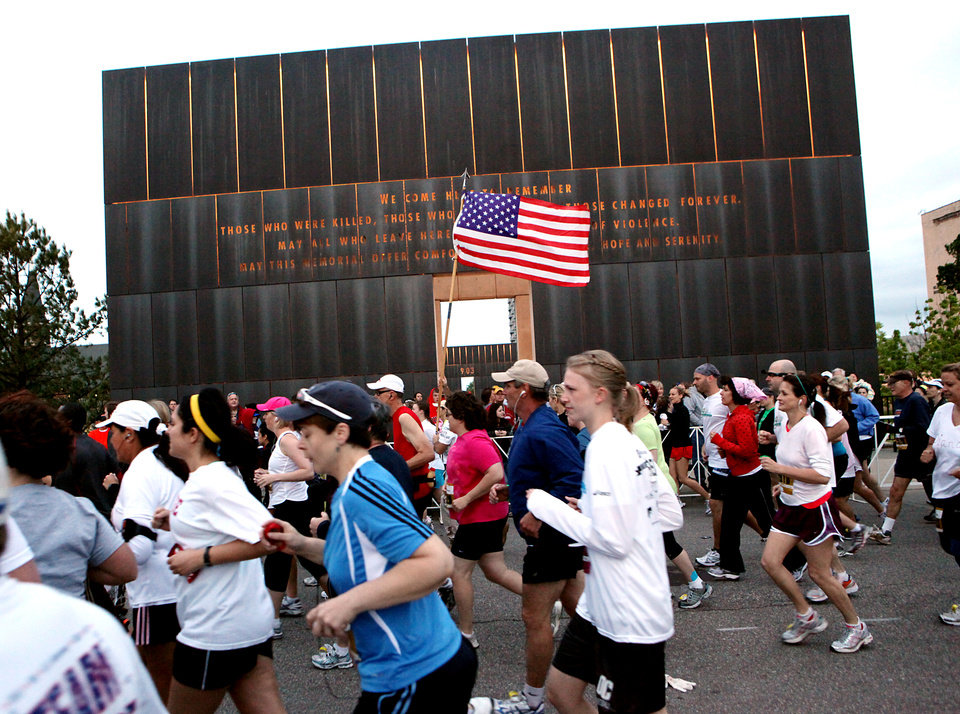 Runners start the Tenth Annual Oklahoma City Memorial Marathon in Oklahoma City on Sunday, April 25, 2010. By John Clanton, The Oklahoman ORG XMIT: KOD