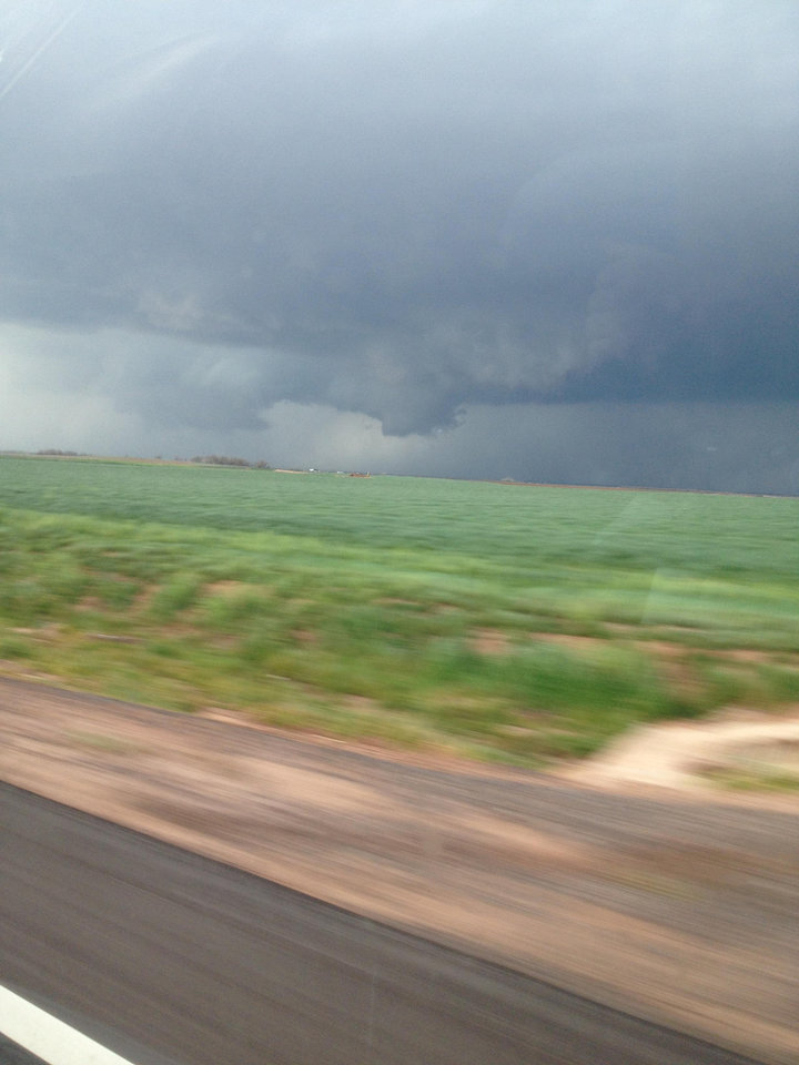 Wall cloud near Hollis