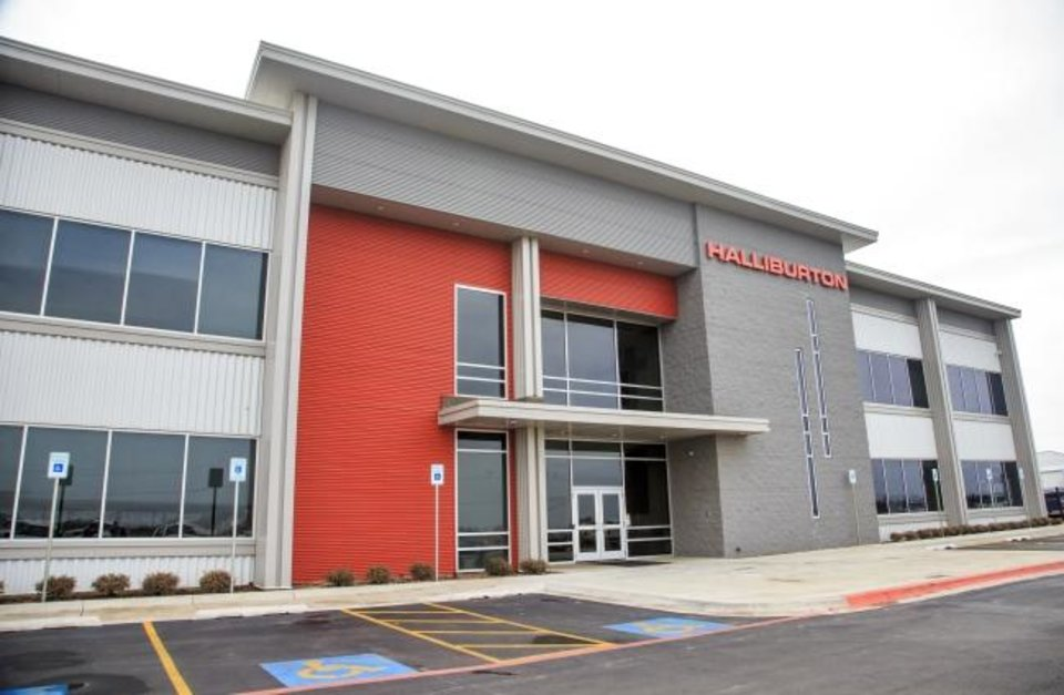 Photo -  Halliburton on Monday closed its regional control center for its hydraulic fracturing operations in El Reno, laying off more than 800 employees. [CHRIS LANDSBERGER/THE OKLAHOMAN]