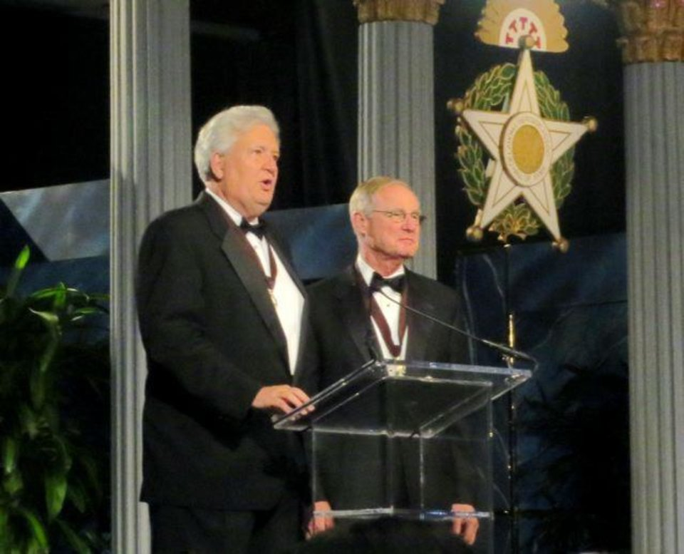 Mike Turpen and V. Burns Hargis were masters of ceremonies. (Photo by Helen Ford Wallace).