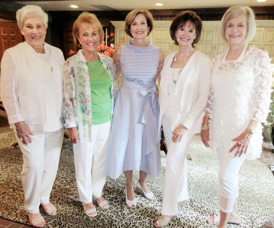 Photo - Nancy Ellis, Brenda McDaniel, Kirk Hammons, Jane Gamble, Judy Love. PHOTO BY HELEN FORD WALLACE, THE OKLAHOMAN