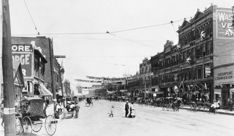 HISTORIC EARLY DAYS / OKLAHOMA CITY, OK / STREET SCENES:  Main Street from Harvey 1903.  Published on 02/16/1941 in The Daily Oklahoman.  Original photo arrived in library 12/26/1940.