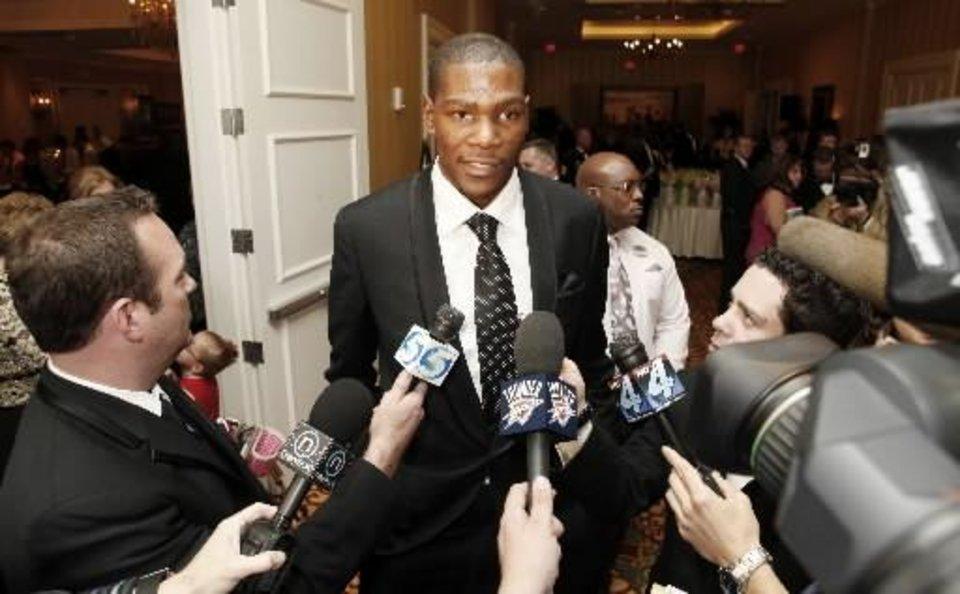 Oklahoma City Thunder NBA basketball player  Kevin  Durant is interviewed by the media before The March of Dimes Sports Headliners Banquet in Oklahoma City, Oklahoma April 08 , 2010. Photo by Steve Gooch