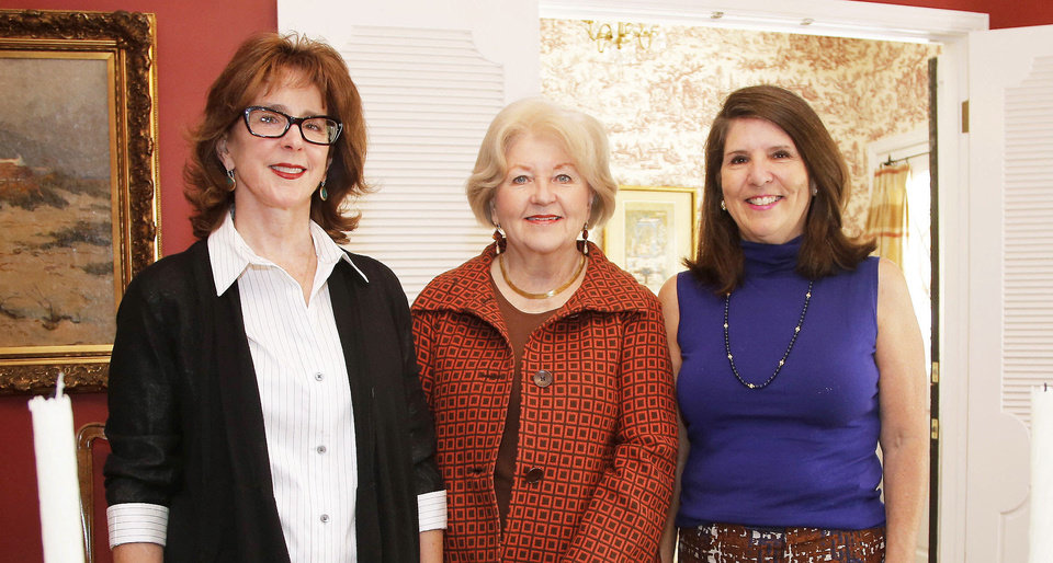 Kris Weir, Linda Garrett, Mary Price