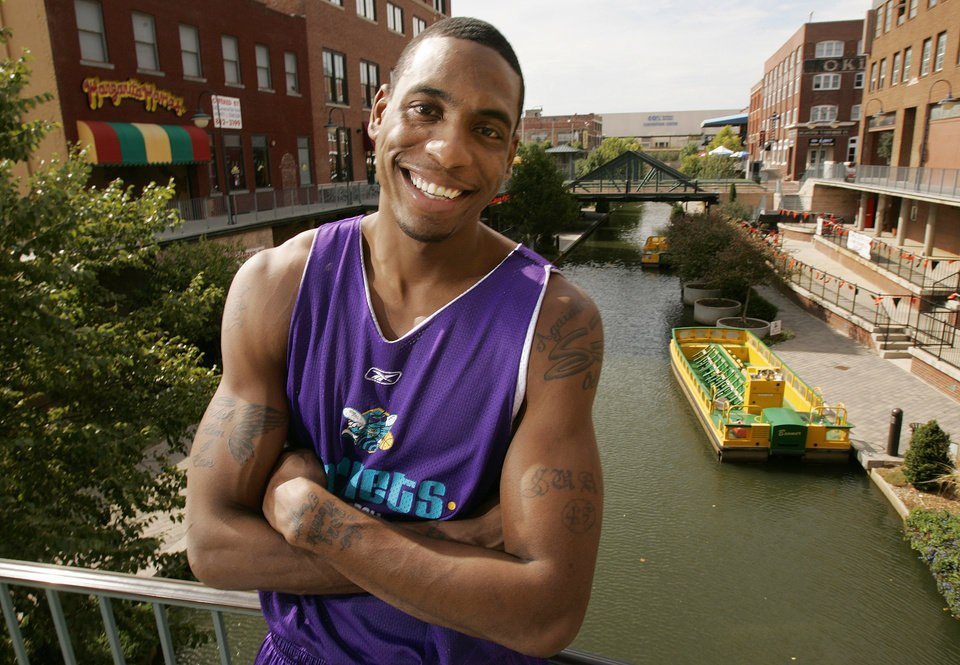 New Orleans/Oklahoma City Hornets NBA basketball player Rasual Butler poses for a photograph along the Bricktown canal in Oklahoma City, October 19, 2005. By Nate Billings/The Oklahoman