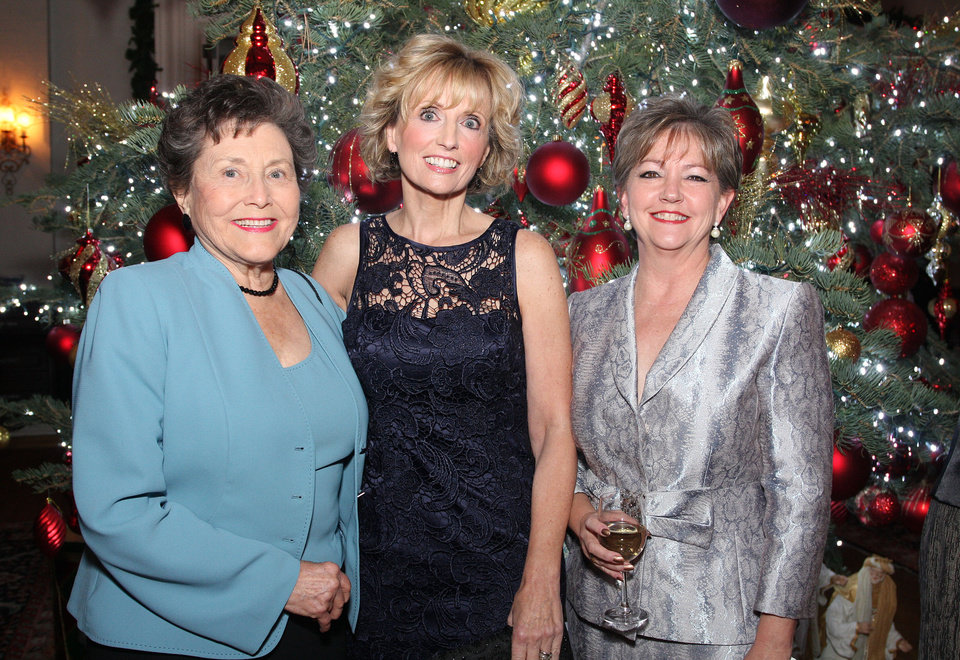 Pat Potts, Pam Newby, Kathy Potts. Photo by David Faytinger for the Oklahoman__
