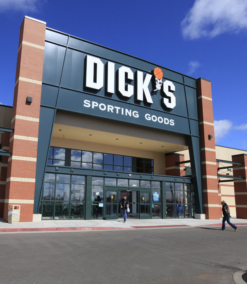 Photo -  The Dick's Sporting Goods location at 6601 SW 3 sold last year for $8.9 million. Photo by Paul B. Southerland   PAUL B. SOUTHERLAND -  PAUL B. SOUTHERLAND