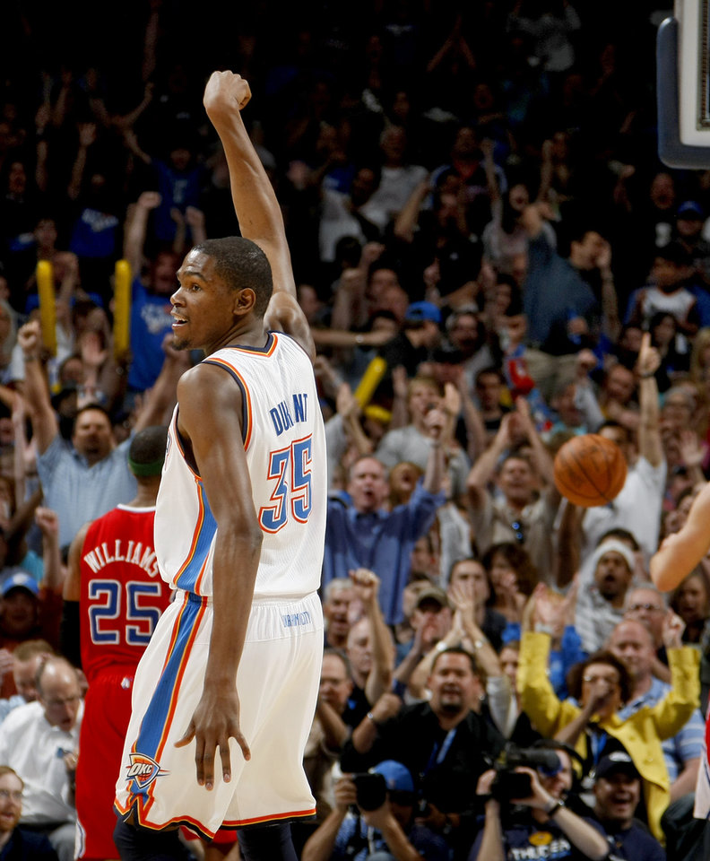 Kevin Durant (35) reacts after making a basket on Wednesday. Photo by Bryan Terry, The Oklahoman