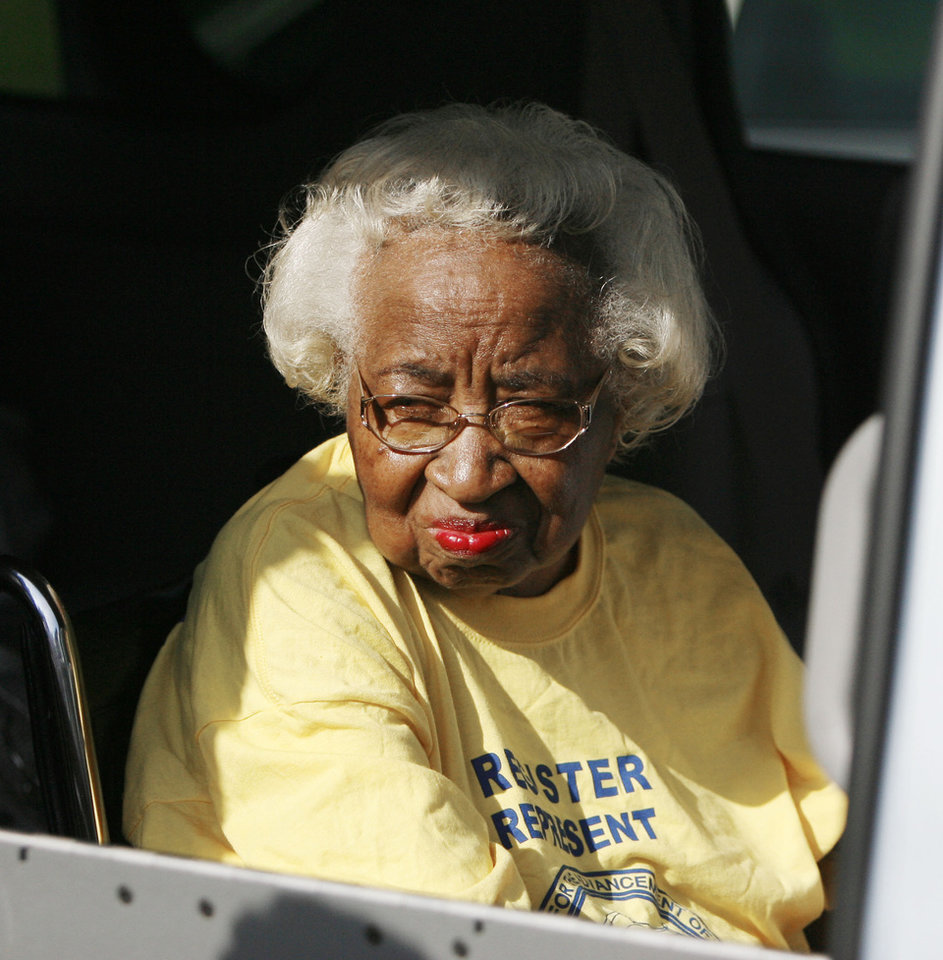 Photo - SIT-INS: Clara Luper looks out at parade goers during the Clara Luper Parade in northeast Oklahoma City, OK, Saturday, Aug. 23, 2008. BY PAUL HELLSTERN, THE OKLAHOMAN ORG XMIT: KOD