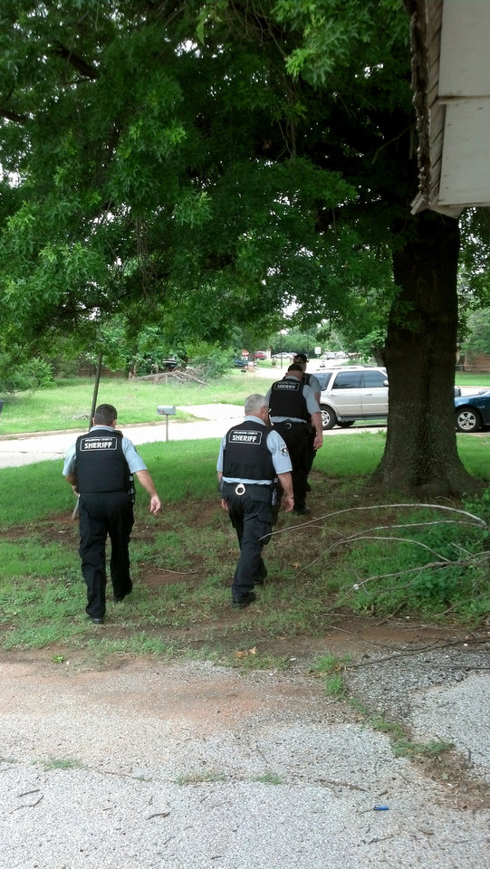 The Oklahoma County sheriff's office warrant team served warrants Wednesday.  Photo provided <strong>PROVIDED</strong>