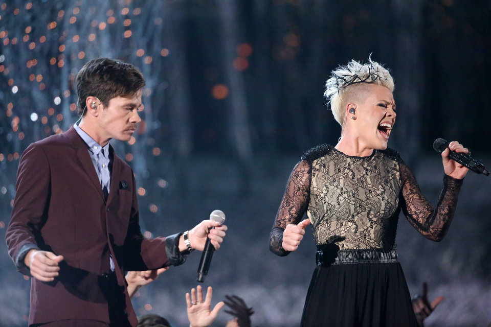 """Photo - Nate Ruess, left, and Pink perform """"Just Give Me a Reason"""" at the 56th annual Grammy Awards at Staples Center on Sunday, Jan. 26, 2014, in Los Angeles. (Photo by Matt Sayles/Invision/AP)"""